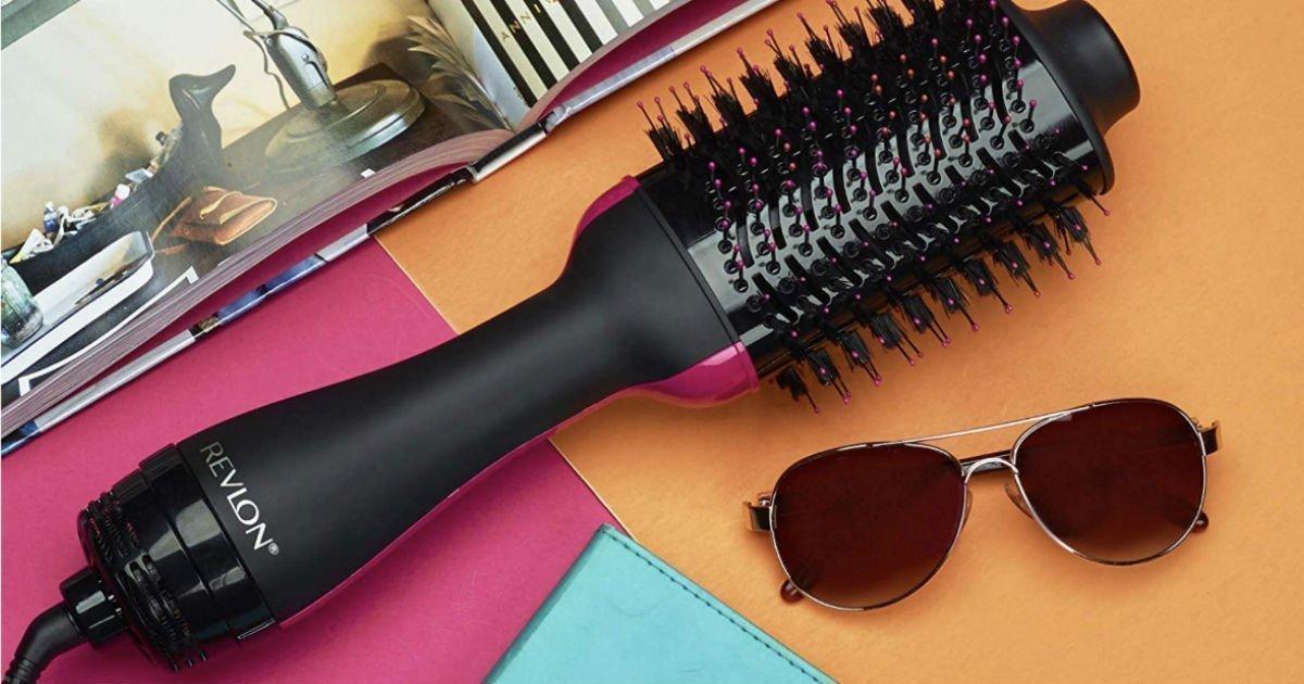 Lee más sobre el artículo Cepillo Revlon One Step Hair Dryer & Volumizer SOLO $22.29 con Envío Incluido con Prime